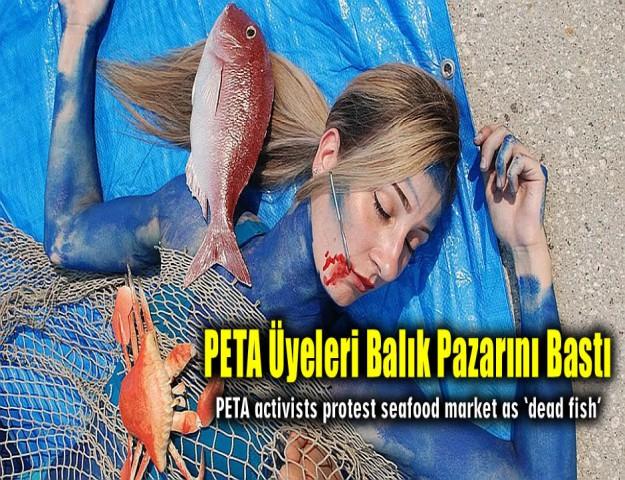 PETA Üyeleri Balık Pazarını Bastı
