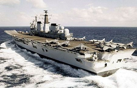 Ingiliz uçak gemisi türk söküm firmasına satıldı